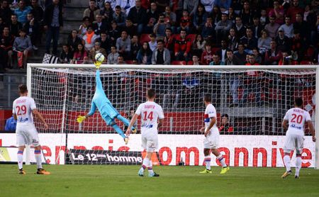 Rennes 1-2 Lyon: Show dien cua Depay va Mariano - Anh 6