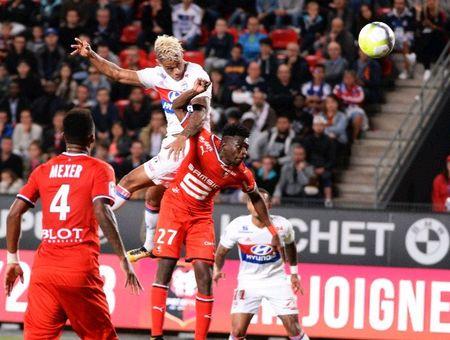 Rennes 1-2 Lyon: Show dien cua Depay va Mariano - Anh 7
