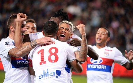 Rennes 1-2 Lyon: Show dien cua Depay va Mariano - Anh 9