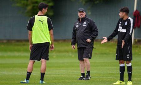 Benitez tich cuc chuan bi cho ngay tai xuat cua Newcastle - Anh 10