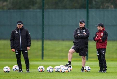 Benitez tich cuc chuan bi cho ngay tai xuat cua Newcastle - Anh 5