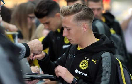Toi do Dembele khien cac cau thu Dortmund 'mat nhu dua dam' - Anh 8