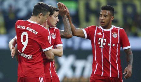 Bundesliga 2017/18 hap dan tren moi phuong dien - Anh 1