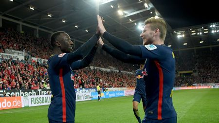 Bundesliga 2017/18 hap dan tren moi phuong dien - Anh 2