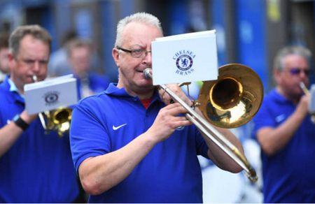 Morata nang ne le buoc toi Stamford Bridge - Anh 8