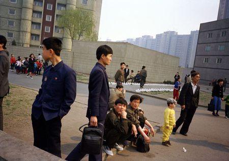 Binh Nhuong nam 1997 qua ong kinh nhiep anh gia Anh (1) - Anh 3