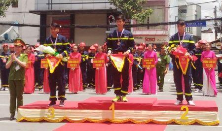 Hang tram Canh sat PCCC tham gia Hoi thi cuu nan cuu ho lan I-2017 - Anh 2