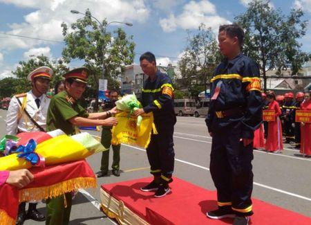 Hang tram Canh sat PCCC tham gia Hoi thi cuu nan cuu ho lan I-2017 - Anh 3