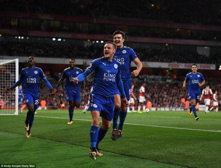 Da bai Leicester, Arsenal thang tran mo man Ngoai hang Anh - Anh 1