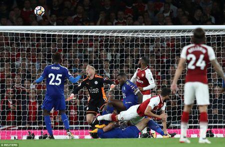 Da bai Leicester, Arsenal thang tran mo man Ngoai hang Anh - Anh 2