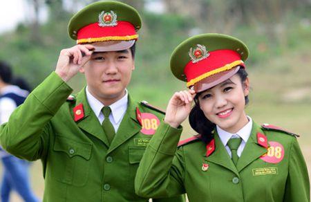 Diem chuan vao truong Cong an, Quan doi cao: 'Mung cung dang suy nghi' - Anh 2