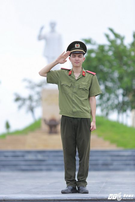 Dang Cong Tuan Manh: Chang thu khoa dien trai, da tai cua DH Ky thuat – Hau can CAND - Anh 2