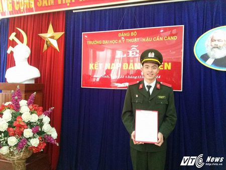 Dang Cong Tuan Manh: Chang thu khoa dien trai, da tai cua DH Ky thuat – Hau can CAND - Anh 3