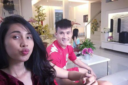 Noi tieng, giau co, khong ngo doi thuong Thuy Tien – Cong Vinh lai the nay - Anh 3