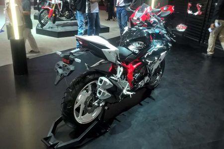 Honda CBR250RR phien ban dac biet co gi doc dao? - Anh 2