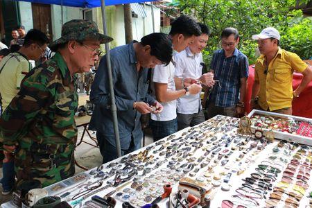 Doc dao phien cho do xua giua trung tam Ha Noi - Anh 3