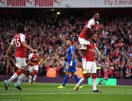 'Bom tan' 52 trieu bang Arsenal: 94 giay khac ten lich su Ngoai hang Anh - Anh 2