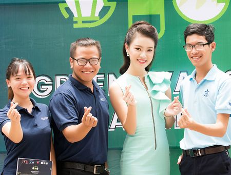 'Co gai vang' Hoa hau Viet Nam rang ngoi lam dai su xanh - Anh 7