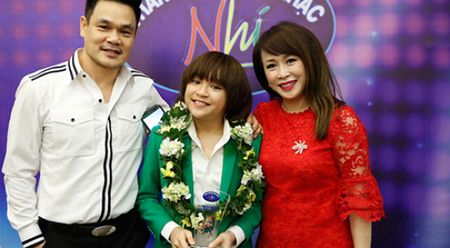 Bo quan quan Idol Kids 2017, be Thien Khoi: 'Con toi me hat hon me choi' - Anh 1