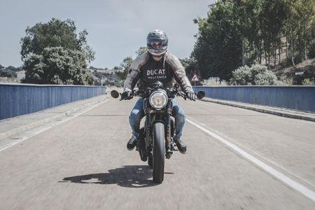Ducati Scrambler do Cafe Racer cuc chat - Anh 13