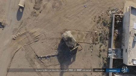 IS tu chien tren tung met dat tai sao huyet Raqqa - Anh 3