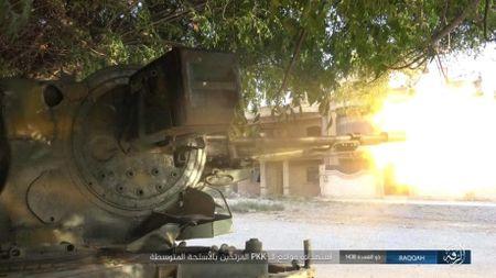 IS tu chien tren tung met dat tai sao huyet Raqqa - Anh 7