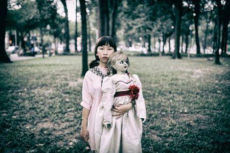 Khong the nhin cuoi khi nhin nhung hinh anh Trang Hy 'Annabelle di khap the gian' - Anh 10