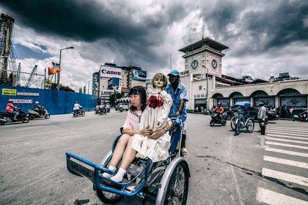 Khong the nhin cuoi khi nhin nhung hinh anh Trang Hy 'Annabelle di khap the gian' - Anh 6