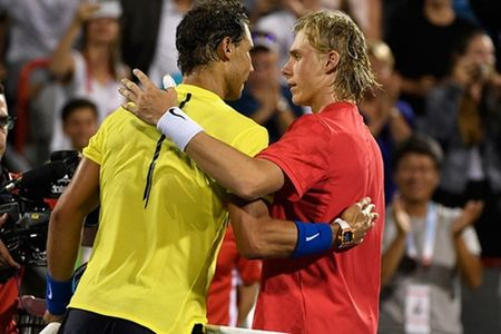 Rafael Nadal bat ngo thua soc tay vot tre Shapovalov - Anh 1