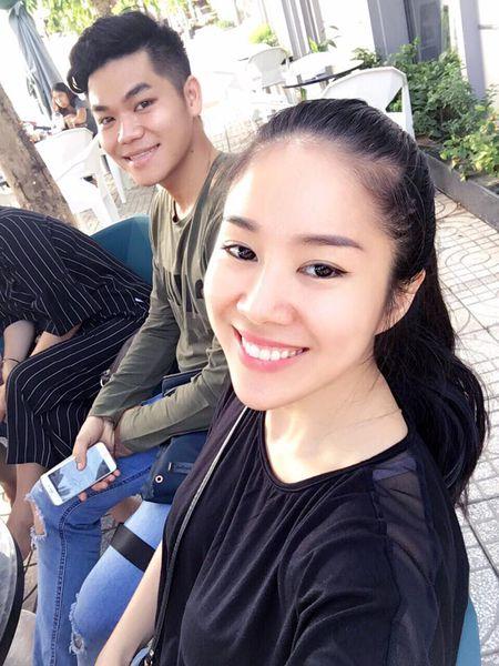 Le Phuong om chat chong tre va con trai sau dam cuoi - Anh 1
