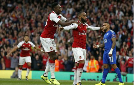 Arsenal 4-3 Leicester: Man nhan khai mac Premier League - Anh 1