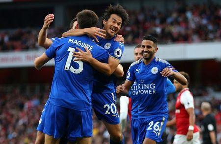 Arsenal 4-3 Leicester: Man nhan khai mac Premier League - Anh 2