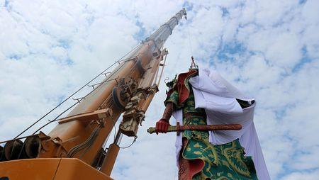 Tranh cai chuyen pha tuong Quan Vu khong lo o Indonesia - Anh 1