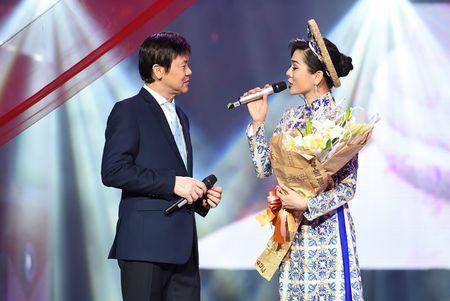 Le Quyen tinh tu voi Quang Dung truoc mat ong xa - Anh 7