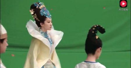 Hinh anh Luu Diec Phi xinh dep trong 'Tam sinh tam the' bi cat bo - Anh 1