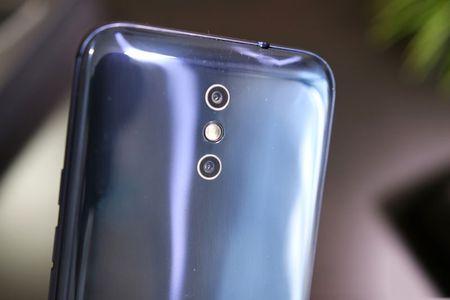 Smartphone camera kep, pin 5.050 mAh, Ram 4 GB, gia hon 3 trieu - Anh 21
