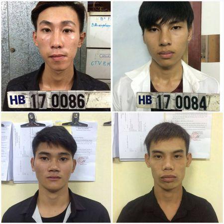 Hai Phong: Bat nhom con do trong vu 'hon chien' truoc sieu thi Metro - Anh 1