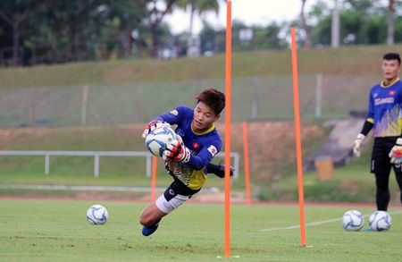 U22 Viet Nam nhan tin 'set danh' ngay truoc them SEA Games 29 - Anh 1