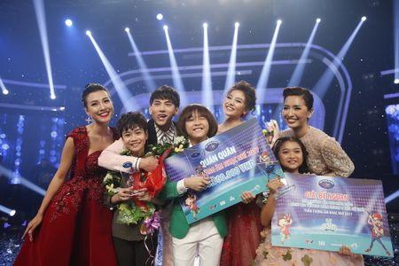 Khoanh khac Thien Khoi dang quang quan quan Vietnam Idol kids 2017 - Anh 11