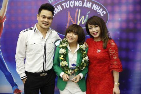 Khoanh khac Thien Khoi dang quang quan quan Vietnam Idol kids 2017 - Anh 12