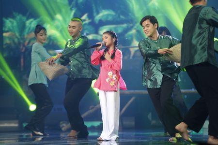 Khoanh khac Thien Khoi dang quang quan quan Vietnam Idol kids 2017 - Anh 4