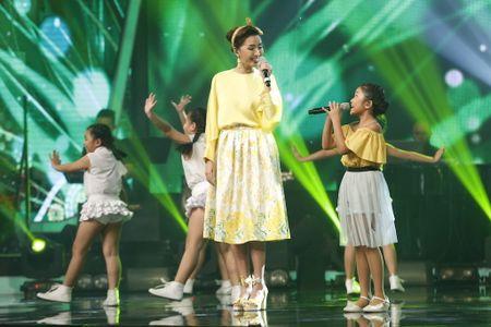 Khoanh khac Thien Khoi dang quang quan quan Vietnam Idol kids 2017 - Anh 7