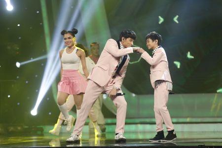 Khoanh khac Thien Khoi dang quang quan quan Vietnam Idol kids 2017 - Anh 8