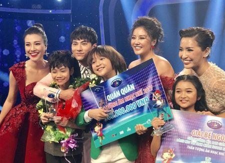 'Than dong' Thien Khoi tro thanh Quan quan Vietnam Idol Kids 2017 - Anh 1