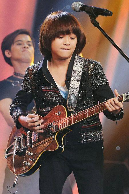 'Than dong' Thien Khoi tro thanh Quan quan Vietnam Idol Kids 2017 - Anh 4