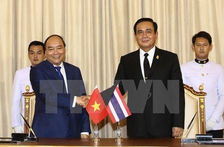 Thu tuong Nguyen Xuan Phuc hoi dam voi Thu tuong Thai Lan - Anh 1