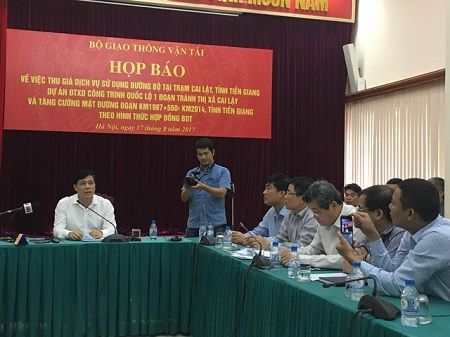 Bo Giao thong van tai: Quyet khong di doi tram thu phi Cai Lay - Anh 1