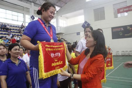 Hon 300 VDV tham gia Hoi khoe phu nu Thu do 2017 - Anh 1