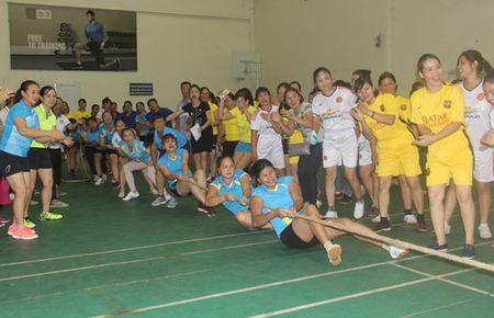 Hon 300 VDV tham gia Hoi khoe phu nu Thu do 2017 - Anh 2