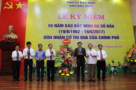 Bao Bac Ninh ky niem 55 nam ngay ra so dau va don nhan Co thi dua cua Chinh phu - Anh 2